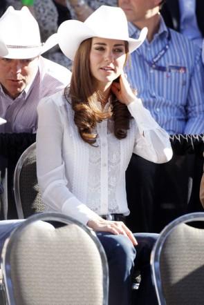 Kate Middleton White Button Down Shirt 2011 Canada Tour